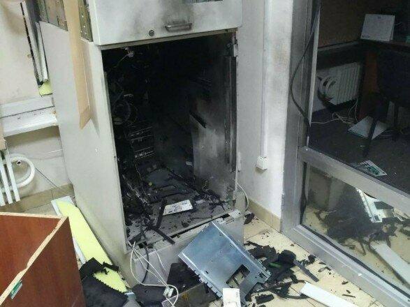 В Харькове грабители взорвали два банкомата и вынесли почти миллион