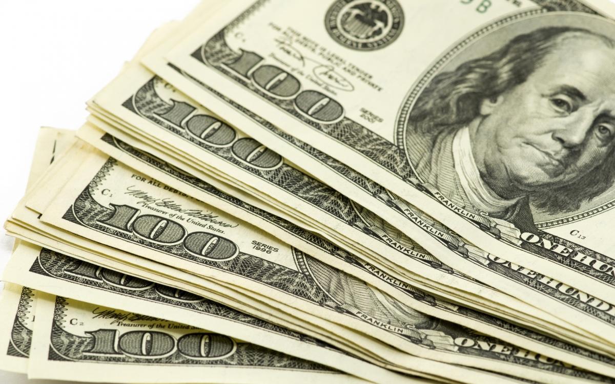 Долар сягнув найвищих показників у 2016 році