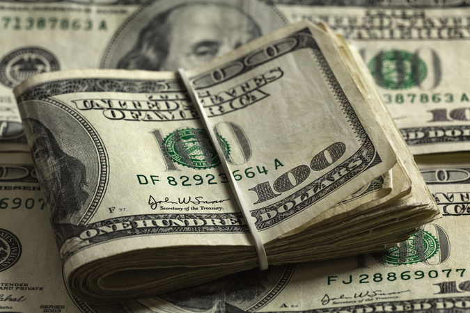 Житель Солигорска выманил у коллег $10 тысяч