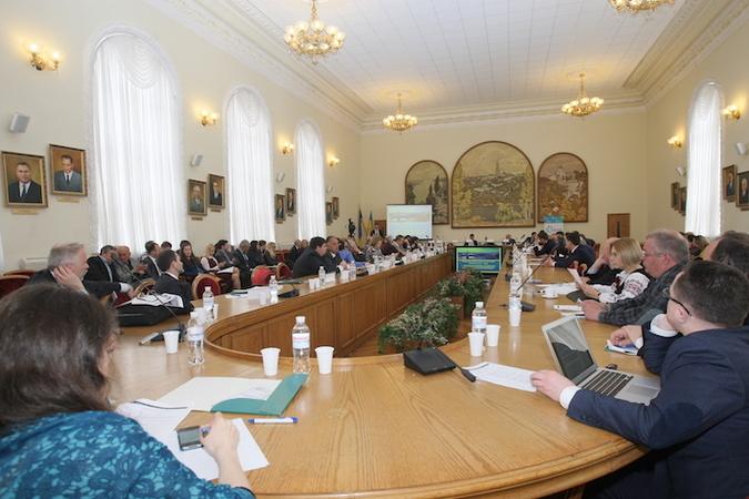 Денежная стратегия. Как банкам начать спасать экономику Украины?