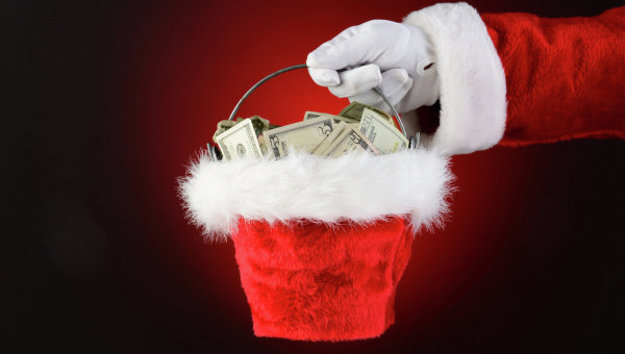 Дед мороз дарит подарок ребенок 93