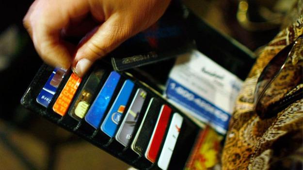 Украинцы активнее используют платежные карты. Инфографика