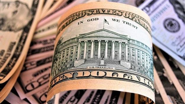Доллар уходит в небо: что присходит на рынке