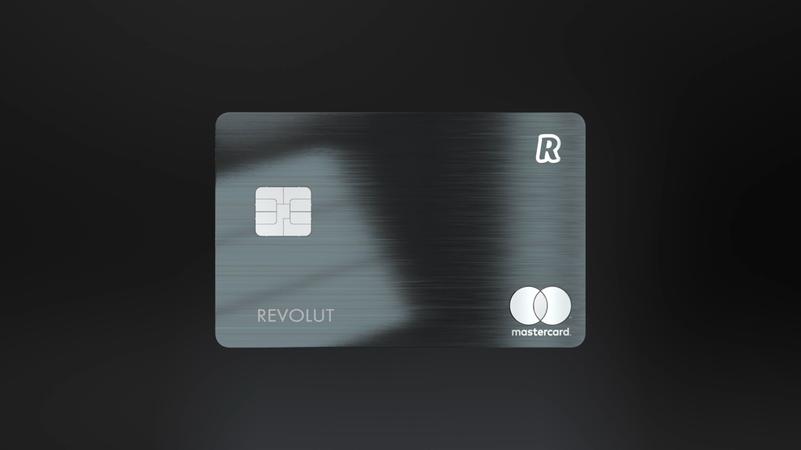 Стартап Revolut выпустил премиальную металлическую карту Revolut Metal с кэшбеком в криптовалюте.