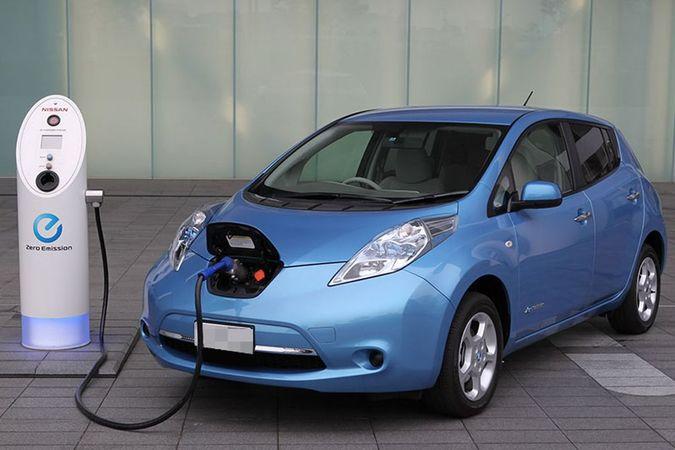 Топ-3 самых продаваемых электромобилей и гибридов в Украине. Фото