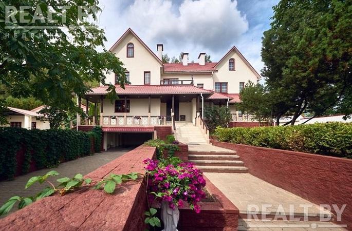 Резидент белорусского Парка высоких технологий продает за 250 BTC (примерно 1,6 млн долларов) особняк в селе Тарасово.