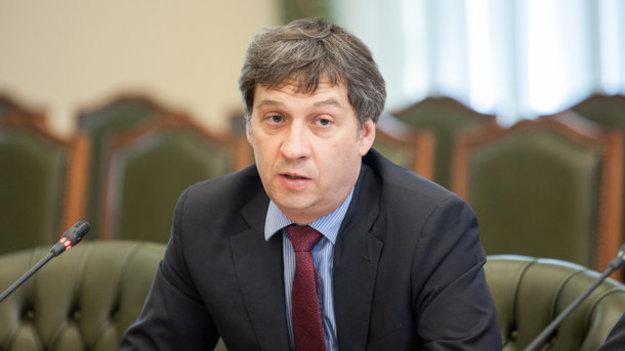 НБУ будет регулярно отчитываться в Раде о валютных ограничениях