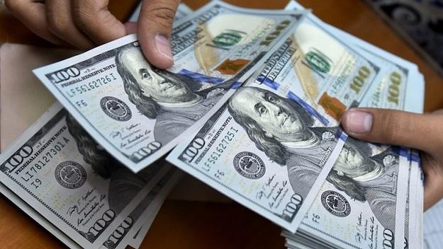Время доставать доллары из-под матраса