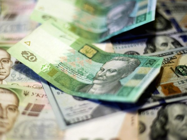 Государственный бюджет по итогам января-февраля был сведен с дефицитом 13,6 млрд грн, тогда как за аналогичный период прошлого года профицит составлял 15,3 млрд грн.
