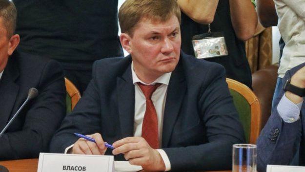 Исполняющий обязанности председателя Государственной фискальной службы Александр Власов написал заявление об увольнении после призыва президента.