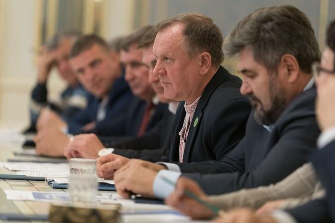 Президент выслушал ожидания и опасения аграриев в связи с открытием ры