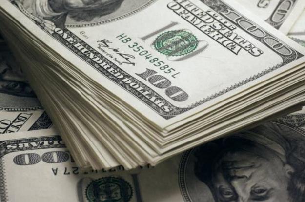 Четверг на валютном рынке пошел не по тому сценарию, к которому готовились спекулянты и многие клиенты.