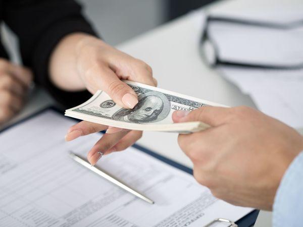Как меньше платить по кредиту