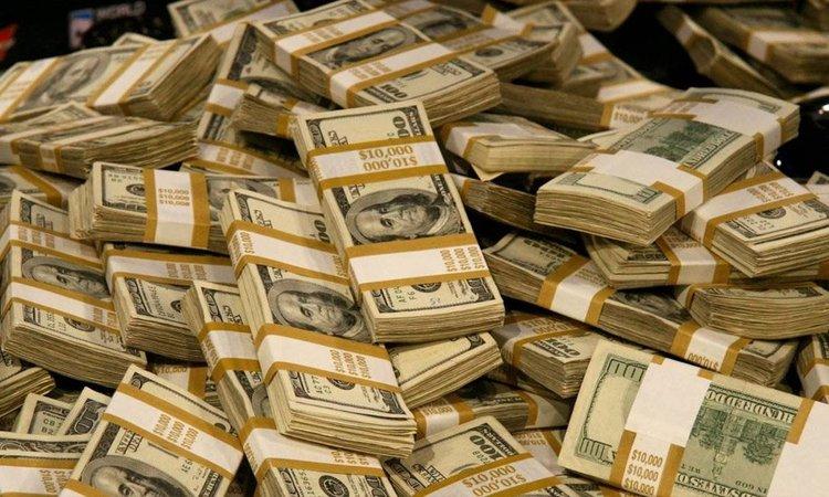 Национальный банк за неполную рабочую неделю, с 10 по 13 марта, продал на межбанковском валютном рынке $981,6 млн для поддержания курса гривны.