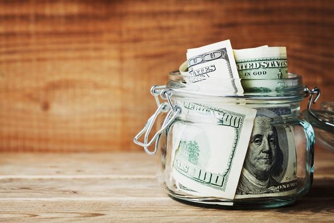 Чаще всего инвесторов интересует 2 вопроса: какой доход может принести тот или иной актив и какие существуют риски.