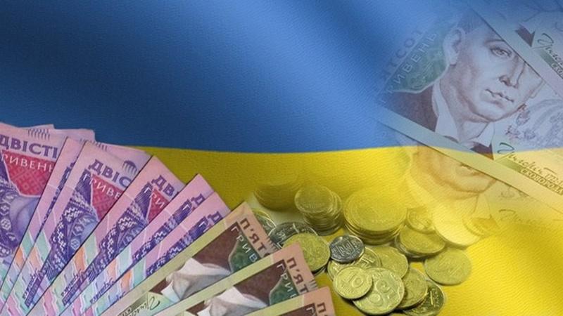 Почему украинская экономика продолжает падение, а украинцы тратят больше