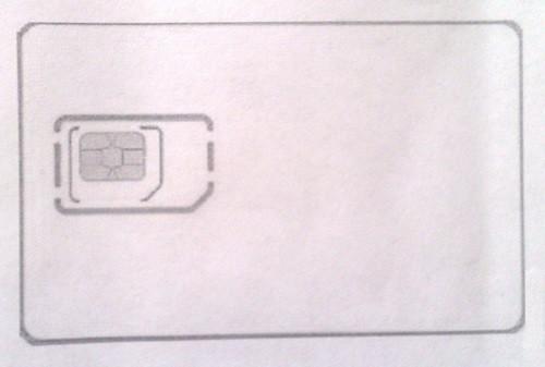 Обводим стандартную СИМ-карту на листе  с шаблоном